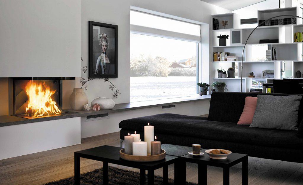 L'habillage contemporain pour le modèle Absolu 800 Tri-vision permet une sobriété agréable pour révéler toute l'intensité du feu. Cette association épurée vous offre ainsi un décor moderne et raffiné.